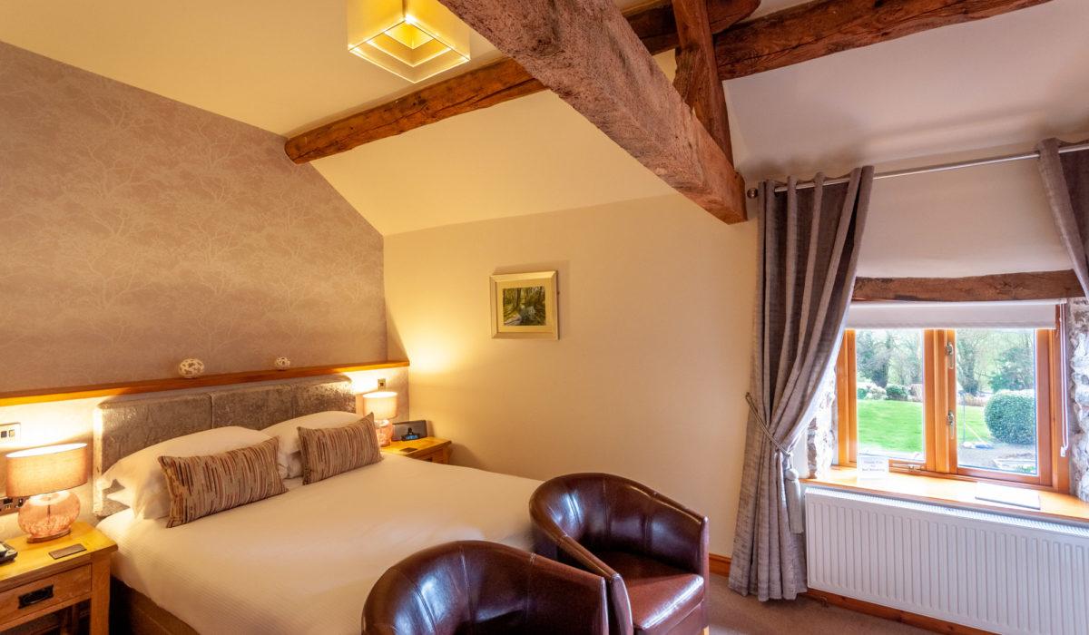 Bedroom 2 - King size bed with en-suite