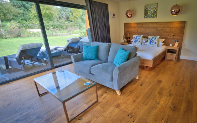 Wenlock Garden Room Lodge with Hot Tub